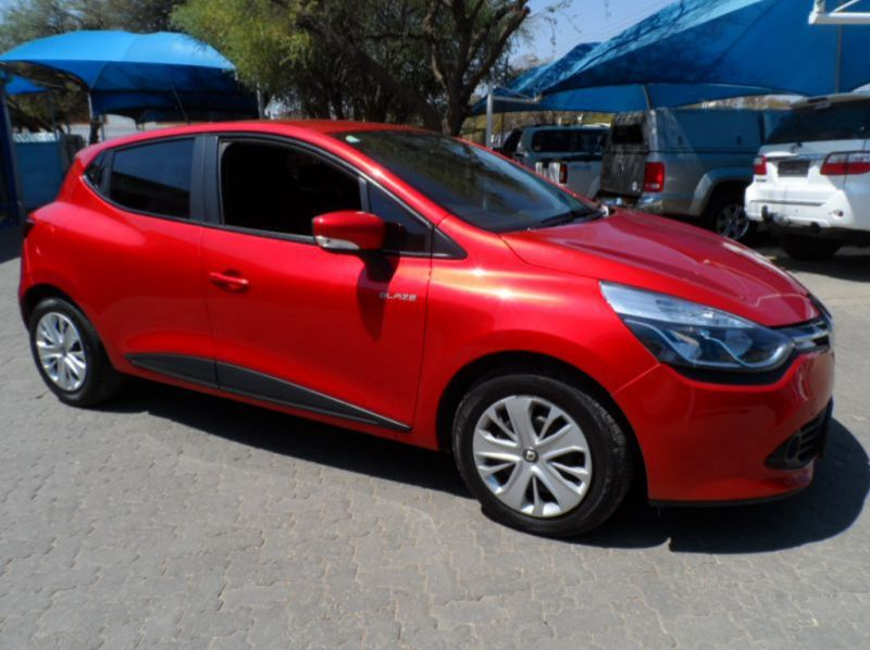 Used Renault Clio Blaze LTD Edition 900T  for sale in Windhoek, Namibia